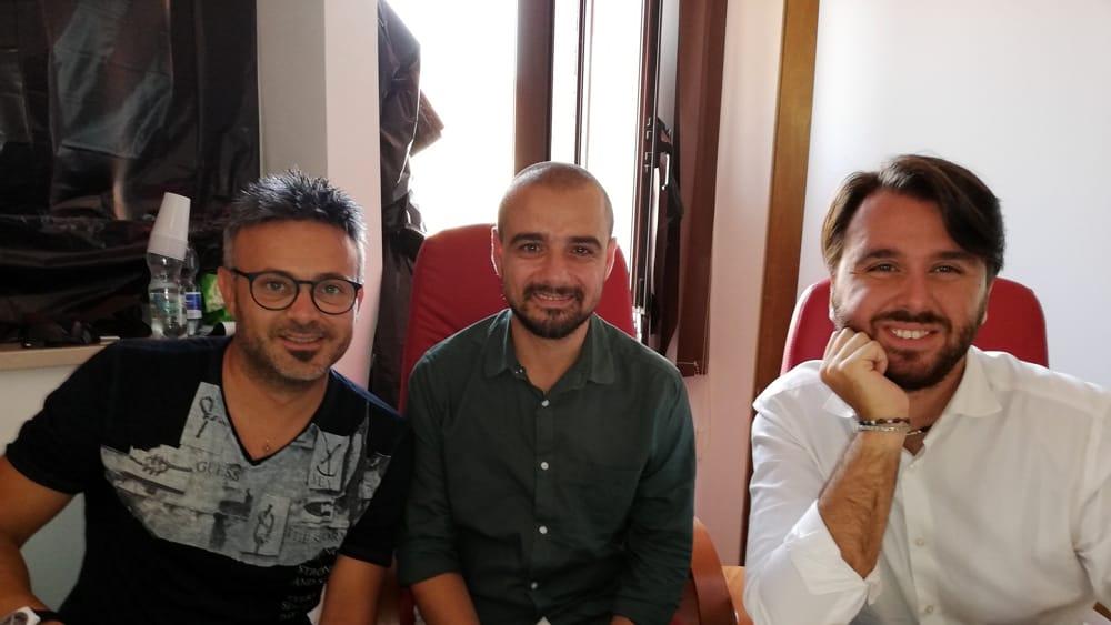 Il look maker Carlo Ventola, il sindaco Gianfilippo Mignogna e l'europarlamentare Mario Furore-2
