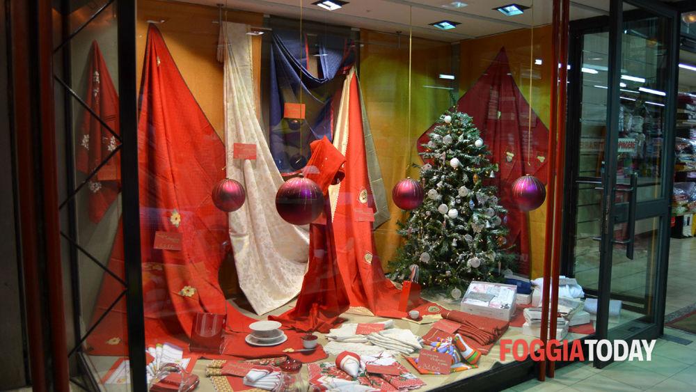 Vedo Le Luci Di Tutte Le Vetrine.Il Natale In Vetrina Allestimenti Dicembrini Nelle Vie