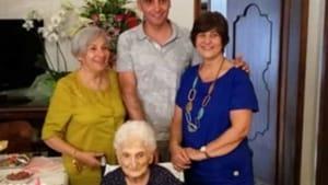 il sindaco di torremaggiore festeggia nonna maria-2