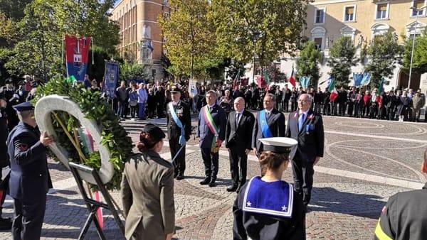 Orgoglio tricolore, unità d'Italia e Forze Armate: l'omaggio di Foggia in piazza Italia sotto l'inno di Mameli