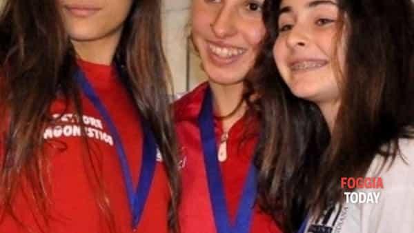 """ai campionati regionali assoluti il """"team mirage settore nuoto"""" conquista un prestigioso 4°posto dietro le squadre piu' forti della regione.-4"""