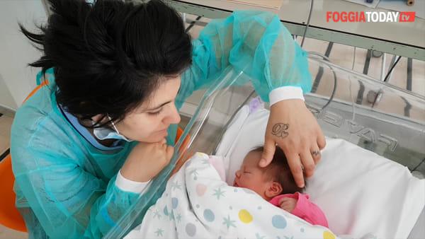 """Anna, la piccola nata in ambulanza sulla strada per San Pio. La mamma: """"Quella notte mi sono sentita al sicuro"""""""
