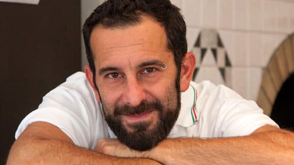 """""""Ottanta rose mezz'ora"""": il nuovo romanzo di Cristiano Cavina alla Ubik"""