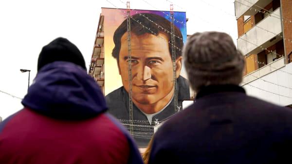 Il volto di Don Bosco a Candelaro: a Foggia si inaugura il murale di Jorit