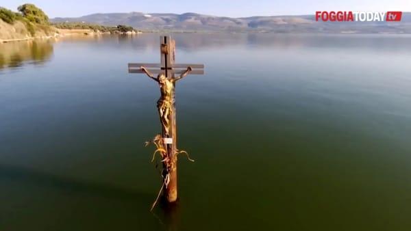 Il Crocifisso di Varano: quando sul Gargano la natura abbraccia la spiritualità in un luogo magico e senza tempo