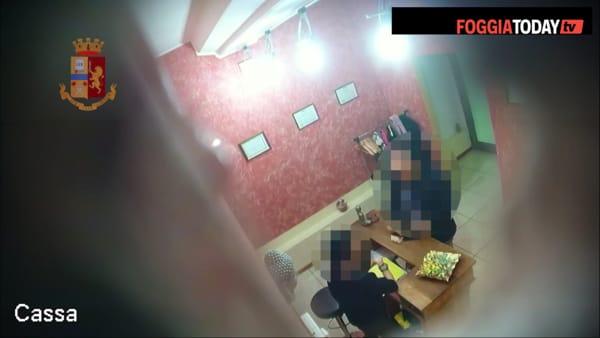 VIDEO | Clienti nudi e massaggi 'hot' nei (finti) centri olistici: le immagini che incastrano gli arrestati