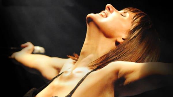 Silvia Mezzanotte a Lucera: l'ex cantante dei Matia Bazar special guest per il concerto di San Giuseppe