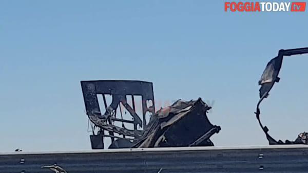 Morto tra le fiamme sulla A14 tra Foggia e Cerignola: le drammatiche immagini sul luogo del tragico incidente