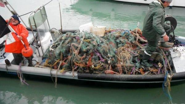 beach litter (1)-2