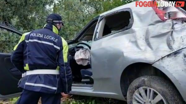 Incidente stradale in via Gioberti, auto finisce fuori strada: 26enne foggiana in codice rosso