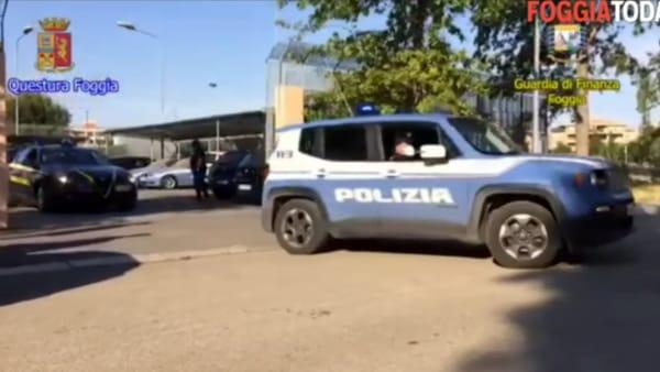 """VIDEO - Polizia e Gdf nel """"tesoro"""" del boss di San Severo: sequestrati ristorante, abitazione e beni per 800mila euro"""