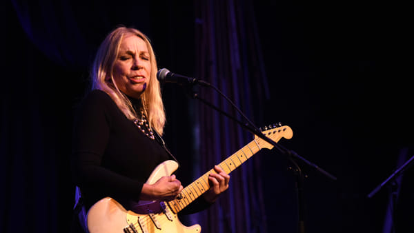 Rickie Lee Jones a Foggia: la musa di Tom Waits protagonista al Giordano in Jazz