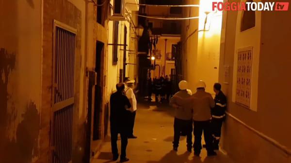 """Paura in via Civitella, crolla solaio di una palazzina. Famiglie evacuate: """"Abbiamo sentito un rumore fortissimo"""""""