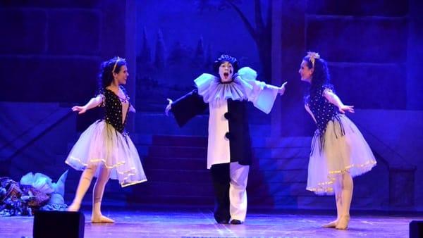 Nella villa comunale doppio appuntamento con 'Mascherì Mascherè', il musical della compagnia 'Luce in Scena'