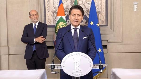 """Il foggiano Conte si riprende l'Italia: """"Questo è il momento del coraggio, voglio che viviate in un paese migliore"""""""