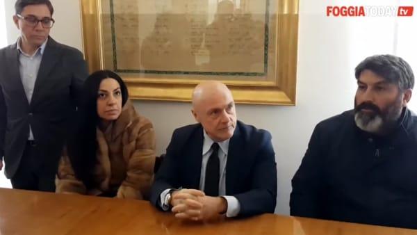 """Paolo e Marianna, un incendio e una bomba: """"Chiediamo sicurezza"""". Il Prefetto: """"Ci siamo"""". La mala dei rifiuti dietro gli avvertimenti?"""