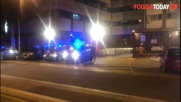 Agenti uccisi a Trieste, il cordoglio di Carabinieri e Polizia foggiani: sirene accese in omaggio ai colleghi caduti