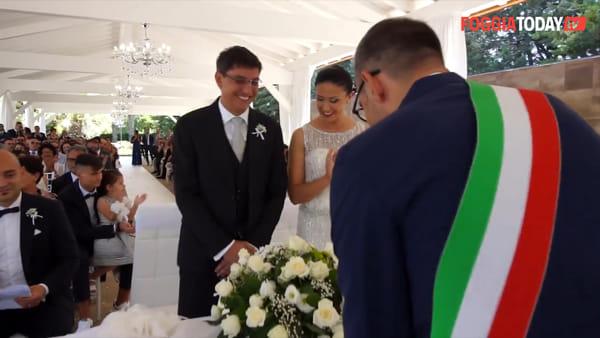 VIDEO | Il sindaco si sposa, la sua promessa d'amore è doppia: per la moglie Annarita e la sua Monte Sant'Angelo