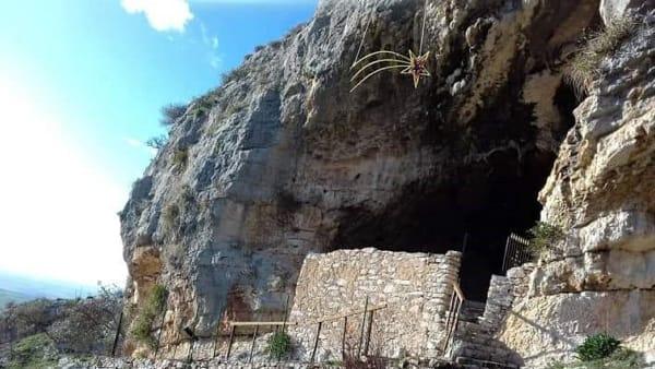 Natale in grotta: sulle pendici del Gargano la terza edizione dell'evento organizzato dal Rotary di San Giovanni