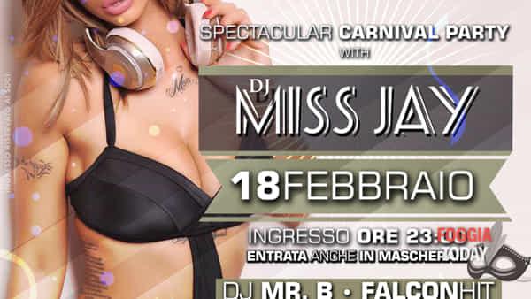 La splendida dj 'Miss Jay' al Carnevale di Troia