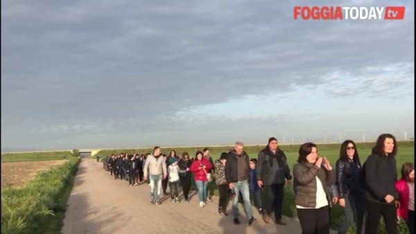 Una marcia di 52 km per pregare la Madonna: il tradizionale pellegrinaggio da Castelluccio all'Incoronata