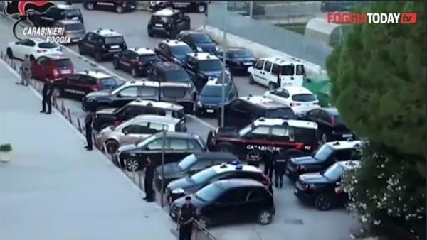 VIDEO | Cerignola 'rastrellata' dai carabinieri: stanati nascondigli di armi e droga, scattano arresti e sequestri
