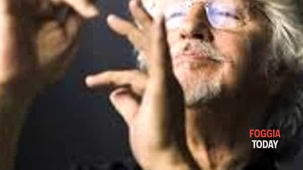 """in piazza cesare battisti  i new trolls e l'orchestra sinfonica della magna grecia in """"concerto grosso per i new trolls  omaggio a luis bacalov""""-3"""