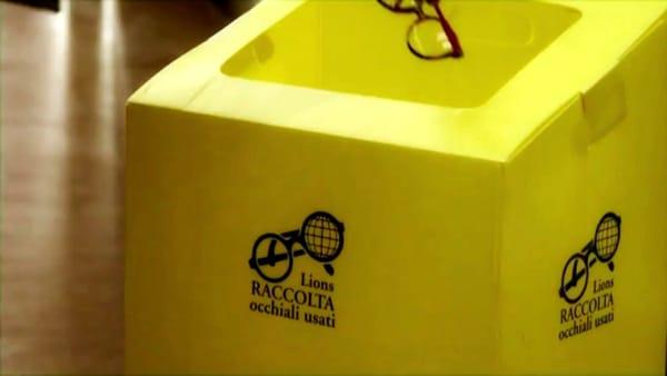 All'isola pedonale la raccolta degli occhiali usati organizzata dal Lions Club Foggia Arpi