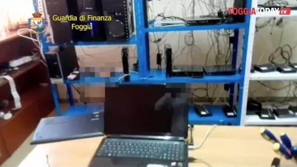 Abbonamenti a pay tv 'casalinghi' o tarocchi nel Foggiano: ecco la retata della Finanza in 13 attività commerciali