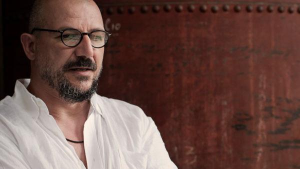"""""""Il servitore di due padroni"""" al Teatro """"Lucio Dalla"""". Antonio Latella porta in scena Goldoni"""