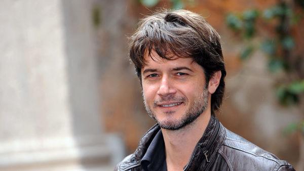 Ettore Bassi porta in scena al Verdi la storia di Angelo Vassallo, il sindaco pescatore