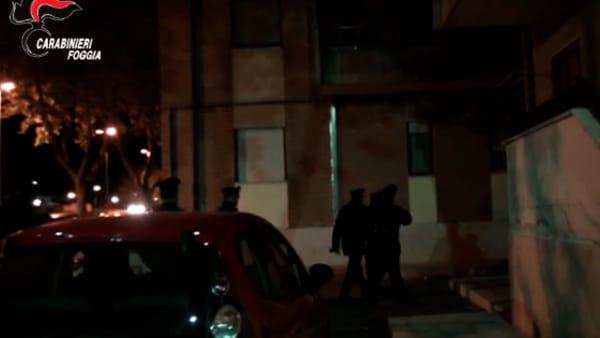 Operazione nella notte a Foggia: arrestate cinque persone, anche un vigile urbano parente di un noto criminale
