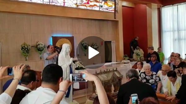 VIDEO   Gioia e commozione in ospedale: le spoglie di Santa Bernardette e il simulacro della Madonna di Lourdes tra i malati