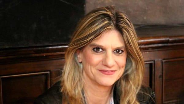 Federica Angeli a Foggia: la sua storia di cronista sotto scorta raccontata in 'A mano disarmata'