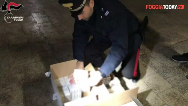 Blitz al 'Candelaro', sequestrato carico di sigarette di contrabbando: le immagini dell'operazione