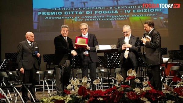 """Foggia omaggia Ludovico Vaccaro: """"Premio dedicato ai miei colleghi. Vogliamo liberare questo territorio dalla cappa della criminalità"""""""