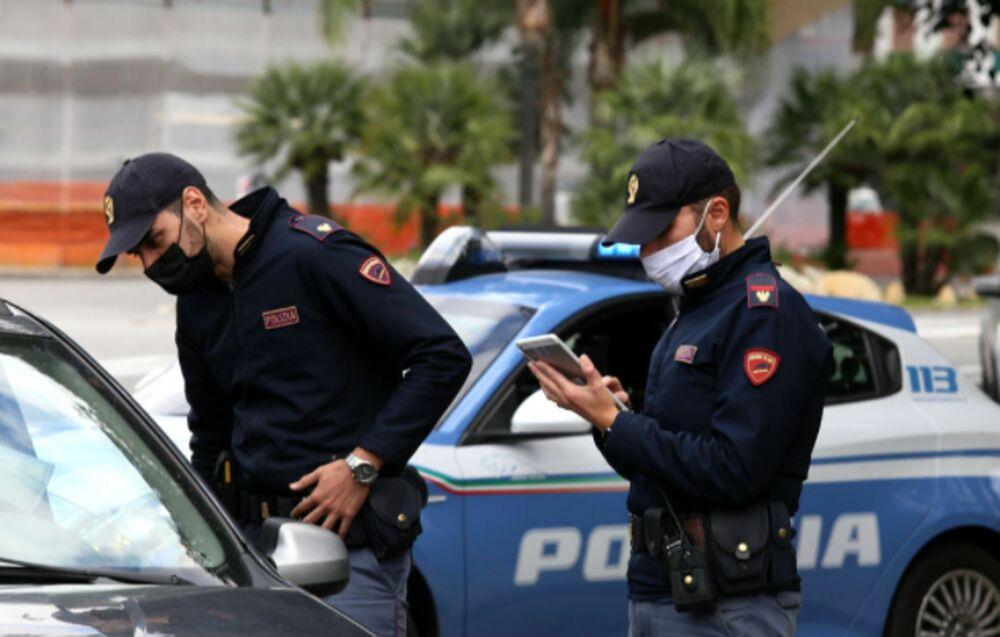 Multe anti-covid della polizia a Foggia