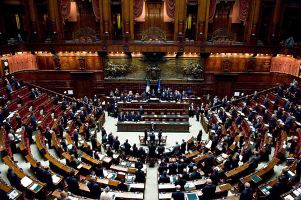 Elezioni politiche 2013 camera e senato risultati in for Oggi parlamento diretta