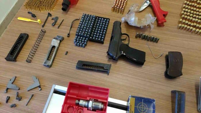 pistola e munizioni (7)